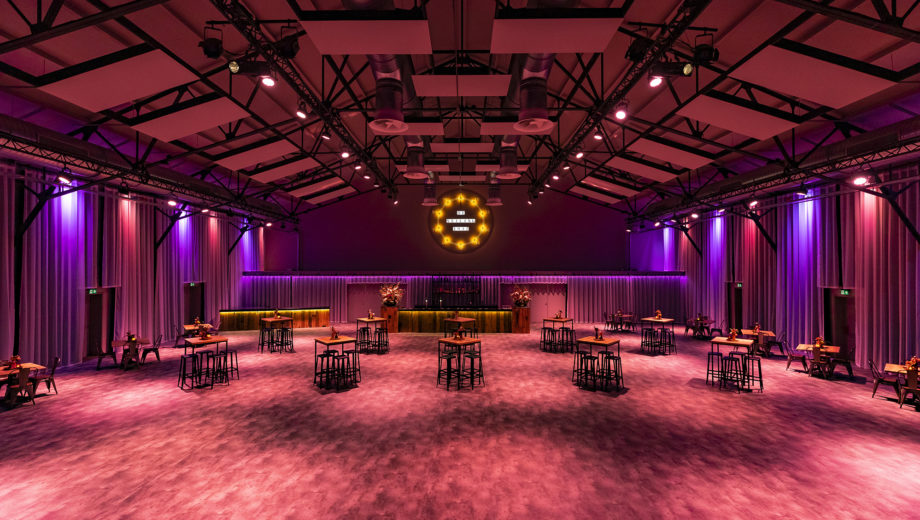 De zaal in basisopstelling - evenementenlocatie De Veiling Poeldijk